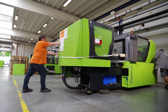 Bekina® Indurub is investing in the purchase of 2 Ecodrive® injection moulding machines